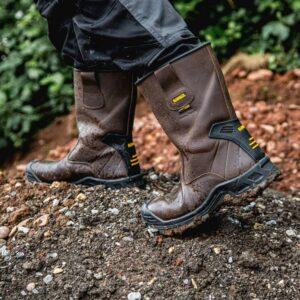 Best-UK-Rigger-Boots-Reviews-2021