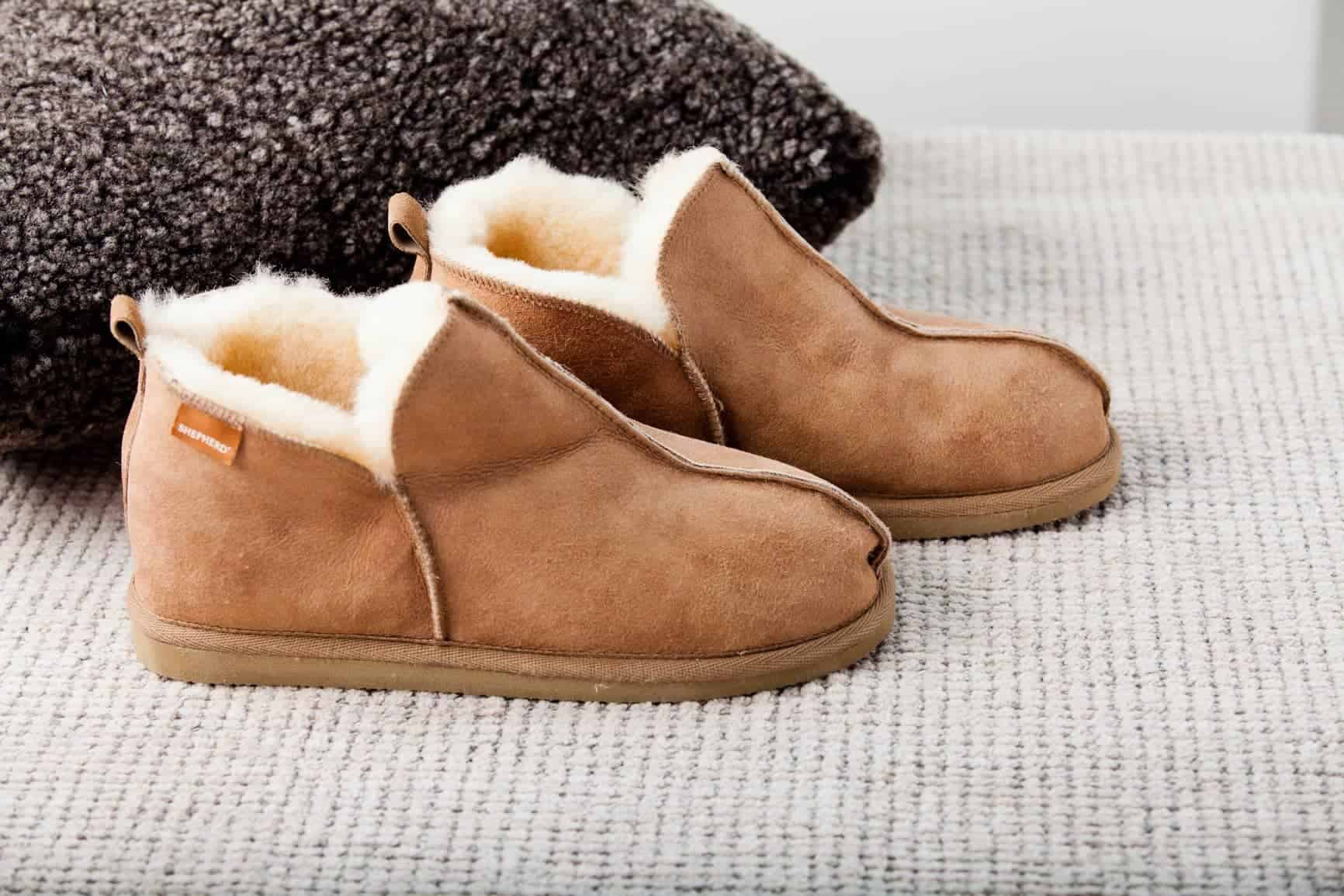 10-Best-Sheepskin-Boots-Review-Buyers-Guide