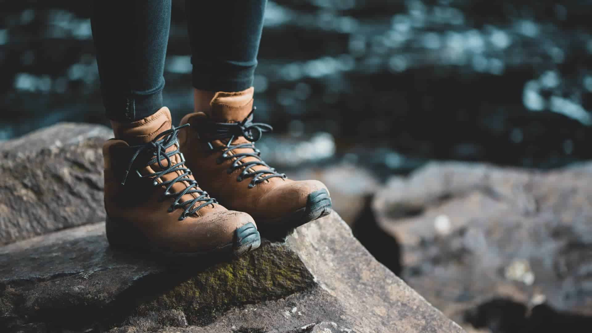 Best-Walking-Boots-For-Wide-Feet-Review